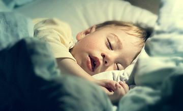 ¿Noches en blanco? Cómo conseguir que tu bebé tenga dulces sueños